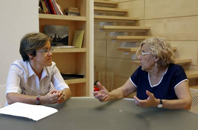 Purificación Causapié y la abuelita Carmena