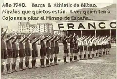 Barcelona y Atlético de Bilbao saludando al régimen
