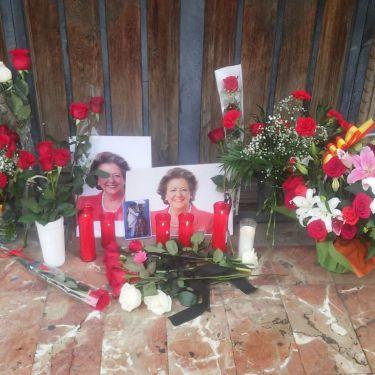 Sentido homenaje a Rita Barberá por parte de la ciudadanía valenciana.