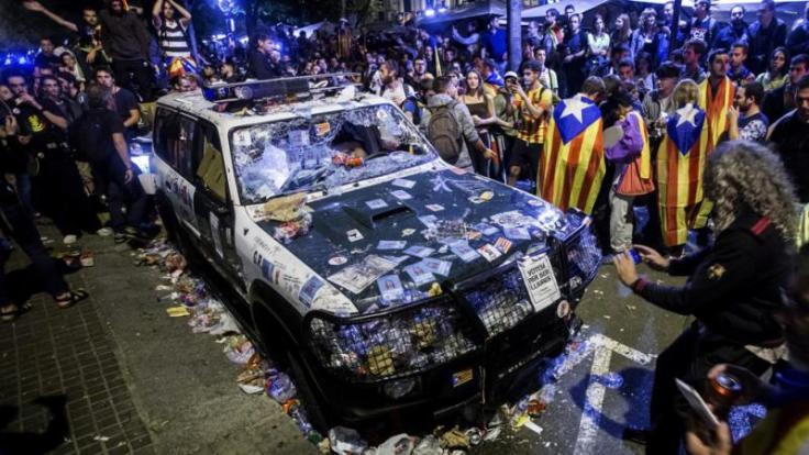 Así-quedaron-los-coches-de-la-Guardia-Civil.jpg