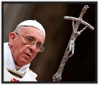 Papa Francisco con el báculo