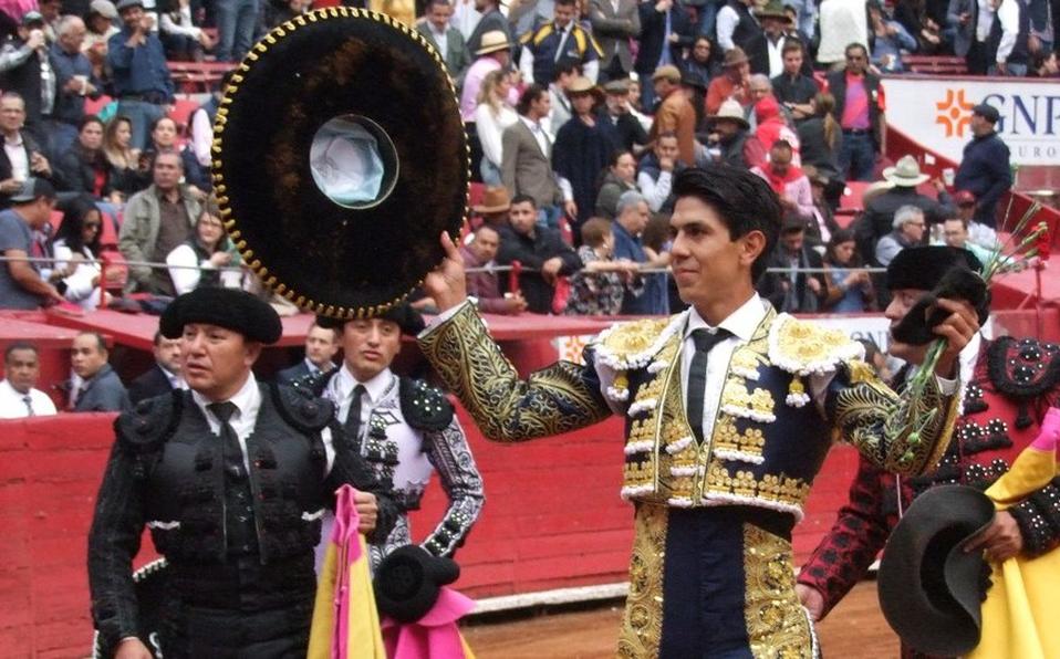 Gran tarde en la Plaza México (Jorge Matchain)